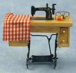 MACHINE A COUDRE SUR TABLE AVEC TISSUS