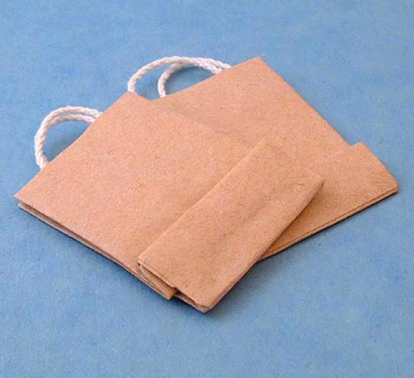 2 sacs en papier