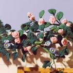 ENSEMBLE GRIMPANT DE ROSES