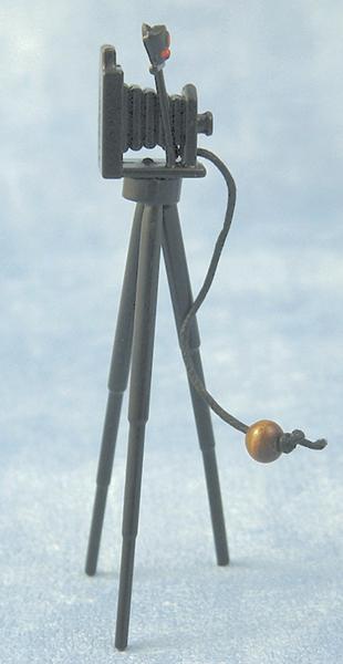 appareil photo ancien metal sur pied. Black Bedroom Furniture Sets. Home Design Ideas